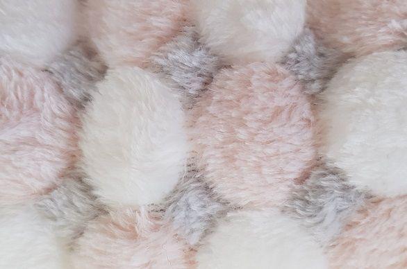 roz pal, gri si alb