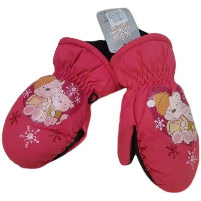 Manusi impermeabile dublate, de culoarea rosu zmeuriu, cu elastic la maneci si imprimeu winnie the pooh