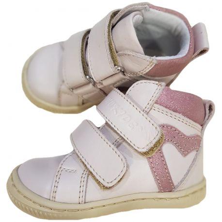 Ghete pentru bebe fetite, din piele naturala, de culoare roz pal cu inimioara laterala roz