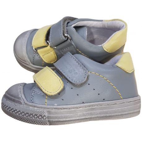 Pantofi sport pentru baieti, din piele naturala, de culoare gri deschis cu galben
