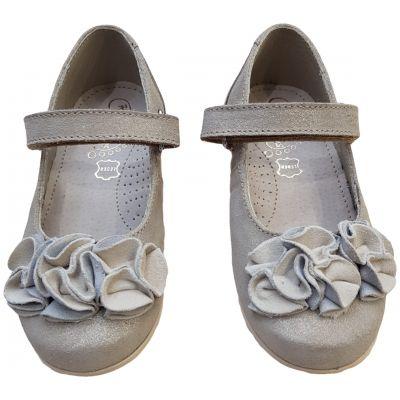 Pantofi pentru fete din piele naturală cu flori pe față