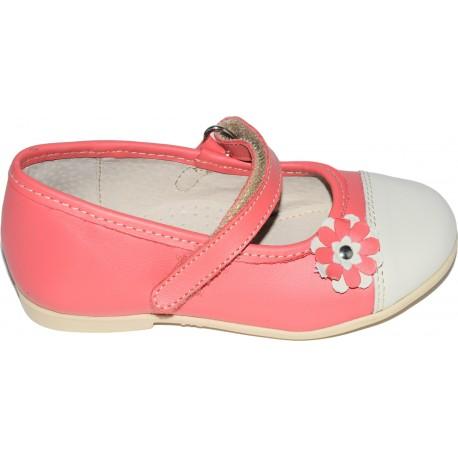 Pantofi din piele de culoare roz prafuit