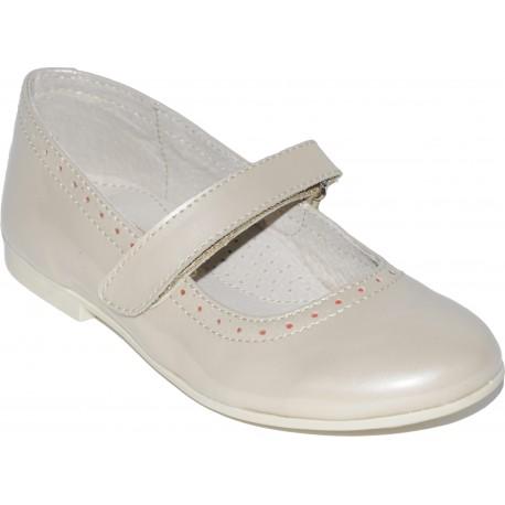Pantofi din piele lacuita de culoare cafea cu lapte